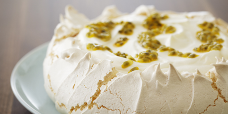 Classic Passion Fruit Pavlova_001