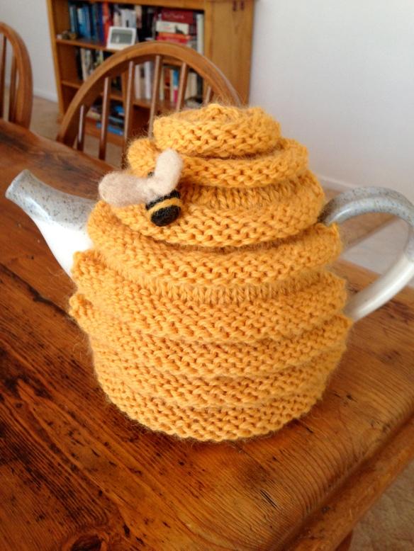 beehive tea cosy